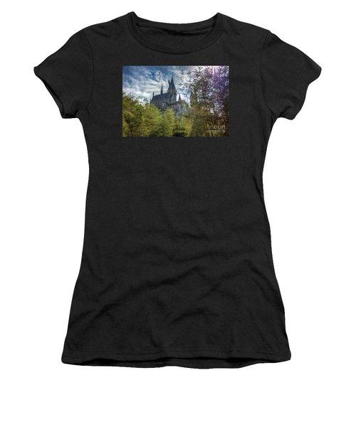 Hogwarts Castle Women's T-Shirt (Athletic Fit)