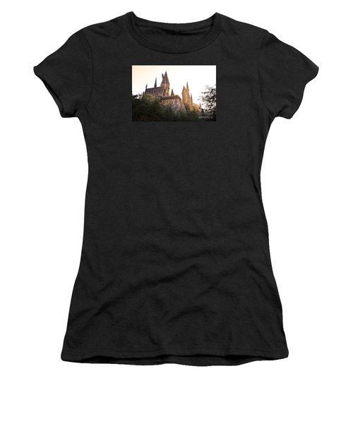 Hogwarts Dusk Women's T-Shirt (Athletic Fit)