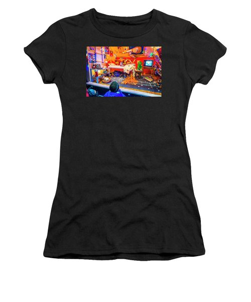 Holiday Widow Display In New York Women's T-Shirt