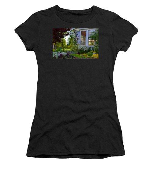 Home Garden Women's T-Shirt (Athletic Fit)