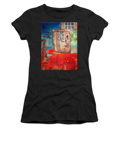 Hood Women's T-Shirt (Athletic Fit)