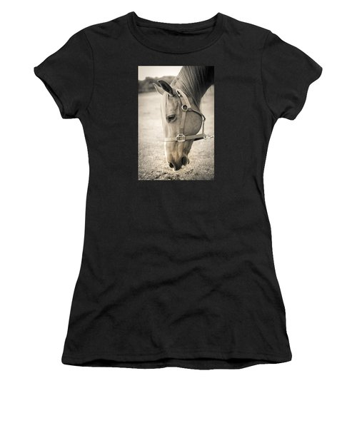 Horse Eating In A Pasture Women's T-Shirt