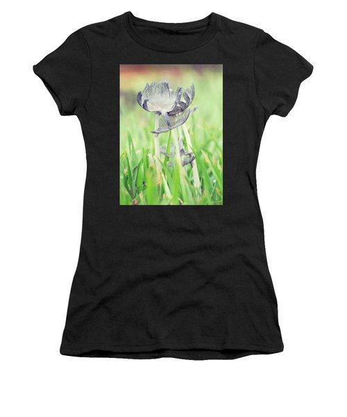 Huddled Women's T-Shirt