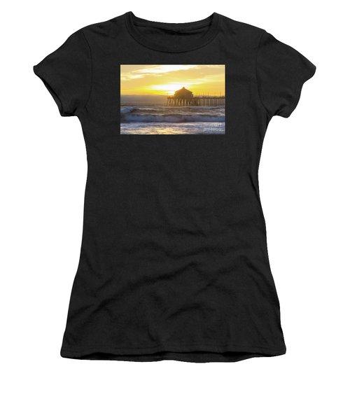 Huntington Peir 2 Women's T-Shirt (Athletic Fit)