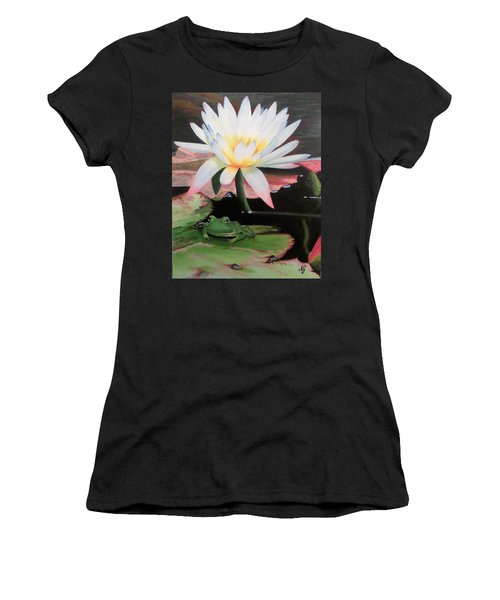 I See A Little Frog Women's T-Shirt (Athletic Fit)