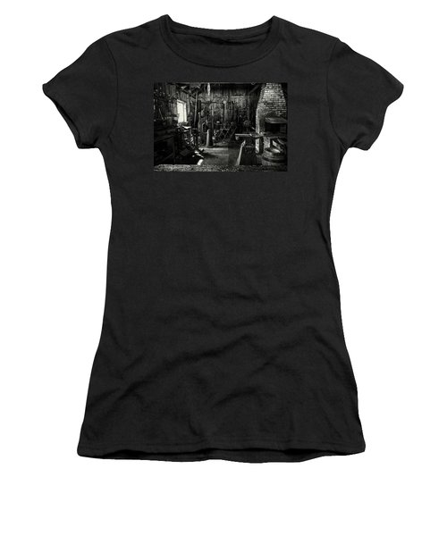 Idle Bw Women's T-Shirt
