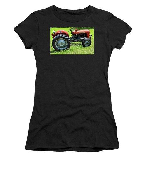 Imt 539 Tractor Women's T-Shirt