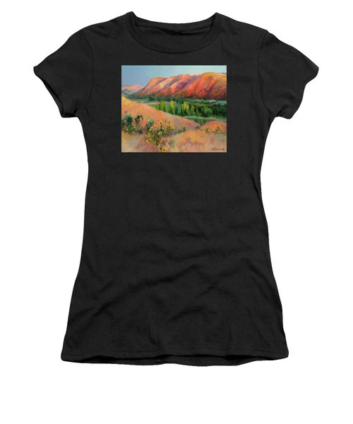 Indian Hill Women's T-Shirt (Athletic Fit)