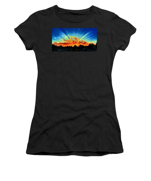 Infinite Rays From An Otherworldly Sunset Women's T-Shirt