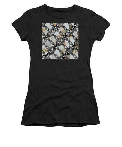 Iron Chains With Rusty Metal Panels Seamless Texture Women's T-Shirt