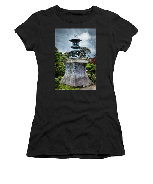 Japanese Garden Women's T-Shirt (Athletic Fit)