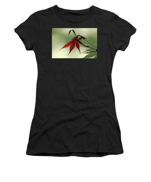 Japanese Maple Leaf Women's T-Shirt (Athletic Fit)