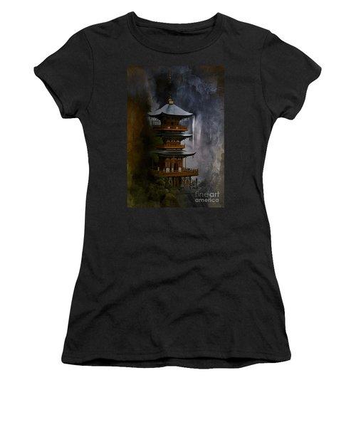 Japanese Temple. Women's T-Shirt