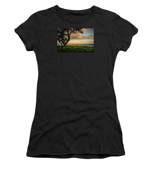 Ka'anapali Plumeria Tree Women's T-Shirt (Athletic Fit)