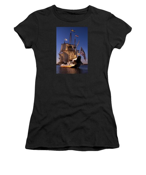 Kalmar Nyckel Women's T-Shirt (Athletic Fit)