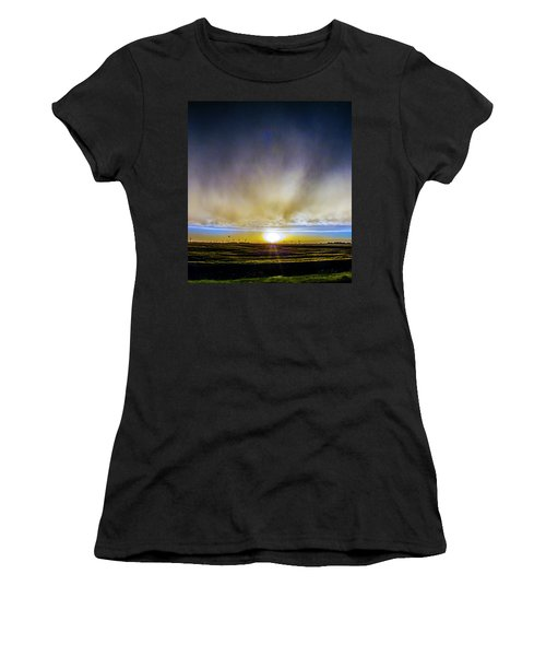 Kansas Storm Chase Bust Day 005 Women's T-Shirt