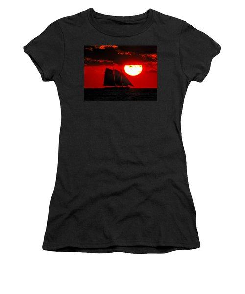 Key West Sunset Sail Silhouette Women's T-Shirt (Junior Cut) by Bob Slitzan