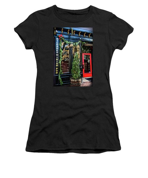 Kildares Irish Pub At Christmas Women's T-Shirt (Athletic Fit)