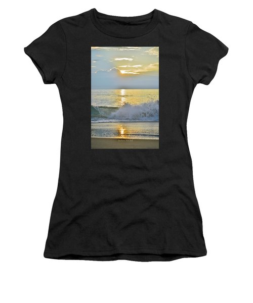 Kitty Hawk Sunrise 8/20 Women's T-Shirt