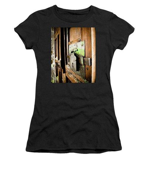 La Porta Chiusa Women's T-Shirt (Athletic Fit)