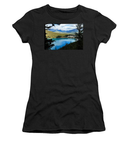 Lake Louise Chalet Women's T-Shirt (Athletic Fit)