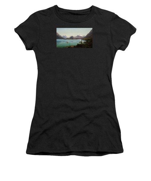 Lake Wakatipu With Mount Earnslaw. Middle Island New Zealand Women's T-Shirt