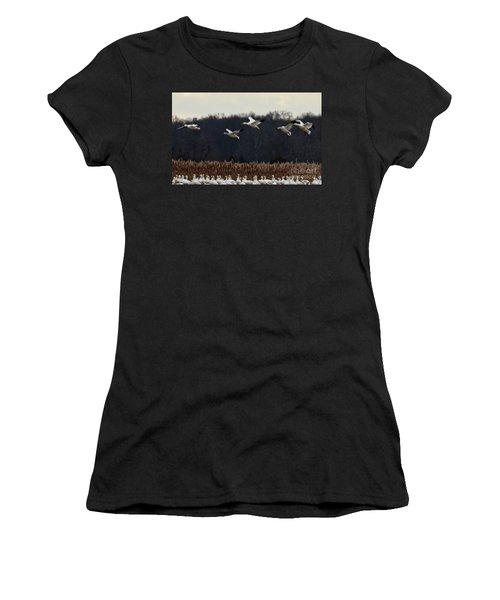 Landing Women's T-Shirt (Athletic Fit)