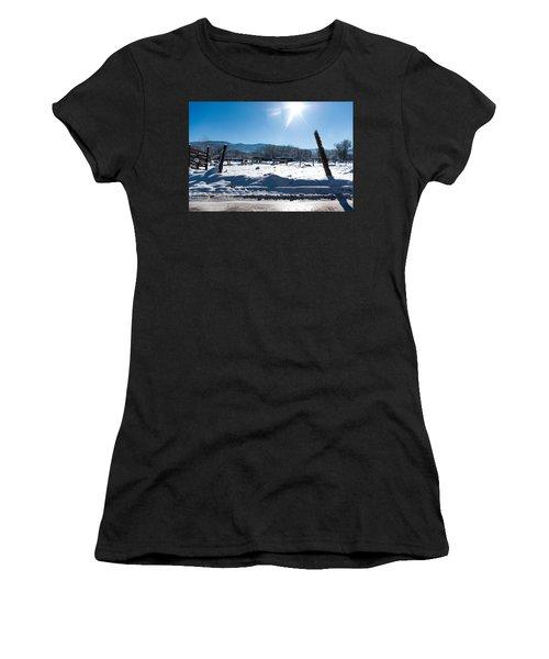 Landscape Taos Nm J10q Women's T-Shirt