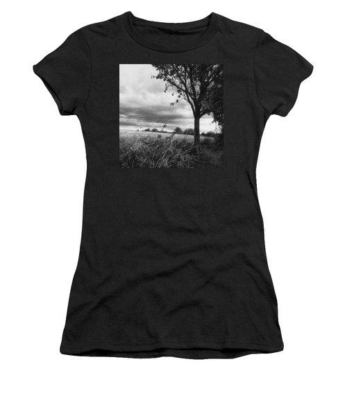 Landschaft Ist Auch Da - Women's T-Shirt
