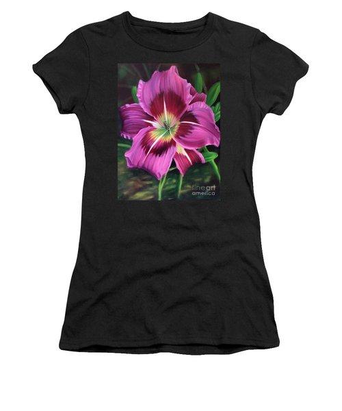 Lavender Daylily Women's T-Shirt