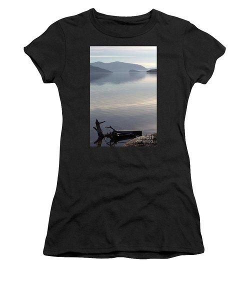 Laying Still Women's T-Shirt