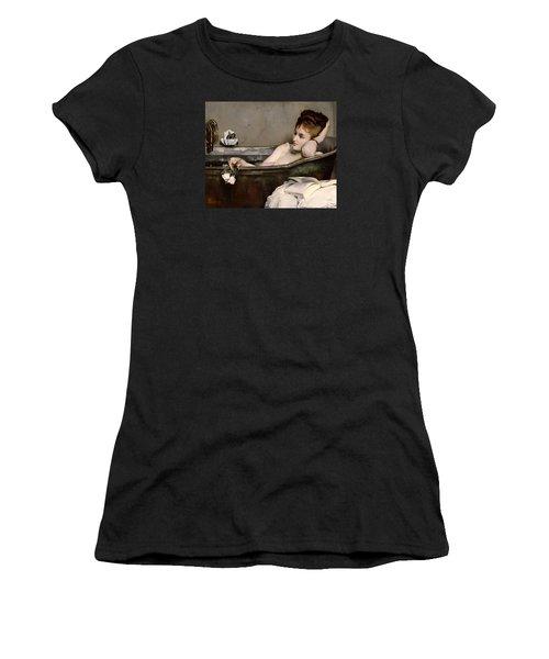 Le Bain Women's T-Shirt (Athletic Fit)