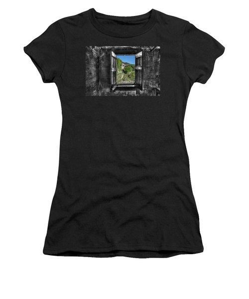 Let's Open The Windows - Apriamo Le Finestre Women's T-Shirt