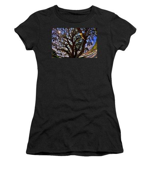Liberty Oak Harbour Town Hilton Head Sc Women's T-Shirt