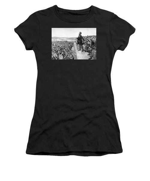 Lincoln Delivering The Gettysburg Address Women's T-Shirt