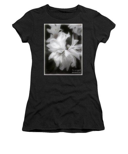 Lisa Women's T-Shirt (Junior Cut) by Elaine Teague