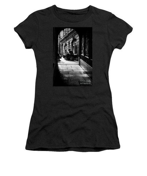 London Backstreet Alley Women's T-Shirt