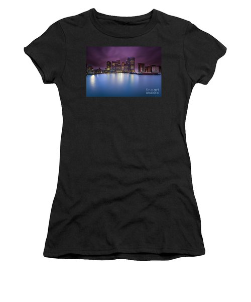 London Canary Wharf Women's T-Shirt (Athletic Fit)