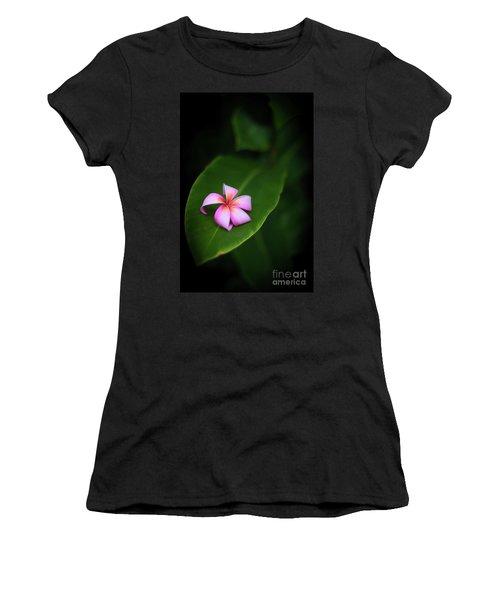 Fallen Plumeria Women's T-Shirt (Athletic Fit)