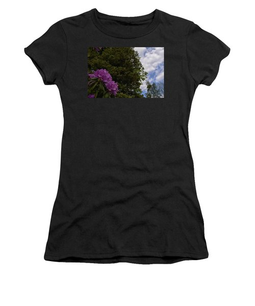 Looking To The Sky Women's T-Shirt