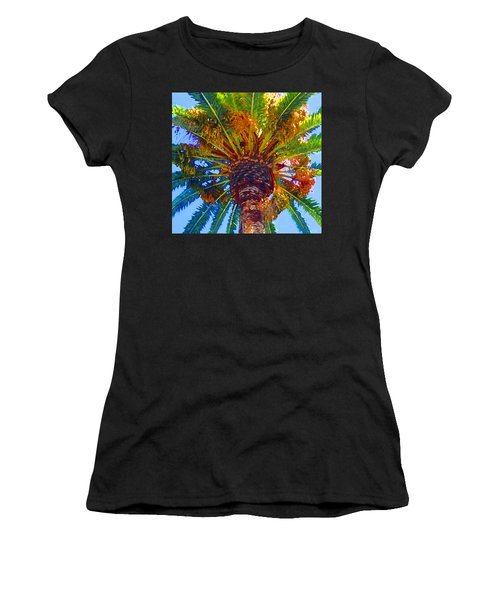 Looking Up At Palm Tree  Women's T-Shirt (Athletic Fit)