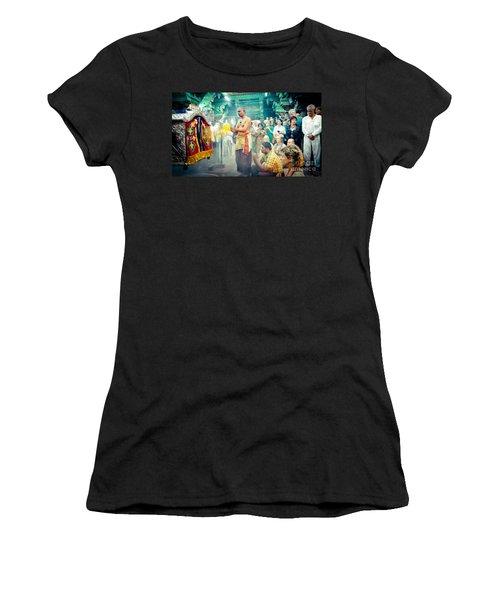Lord Shiva Meenakshi Temple Madurai India Women's T-Shirt