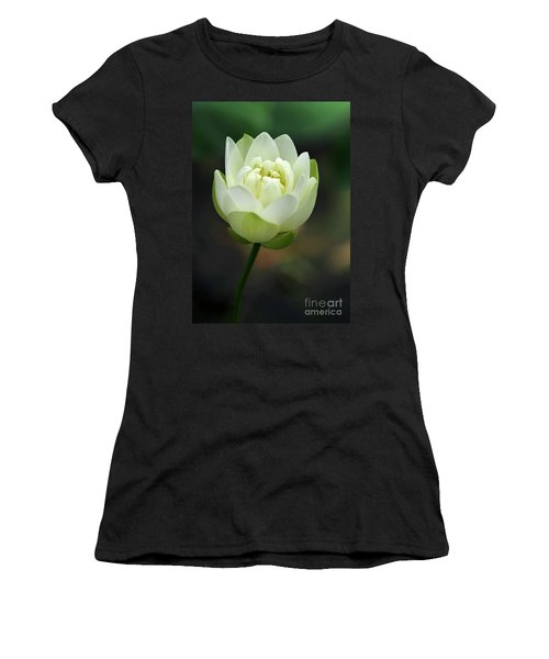 Lotus Blooming Women's T-Shirt