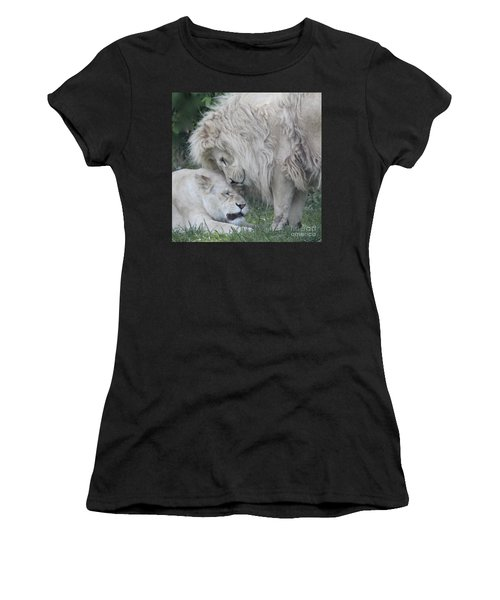 Love Lions Women's T-Shirt (Athletic Fit)