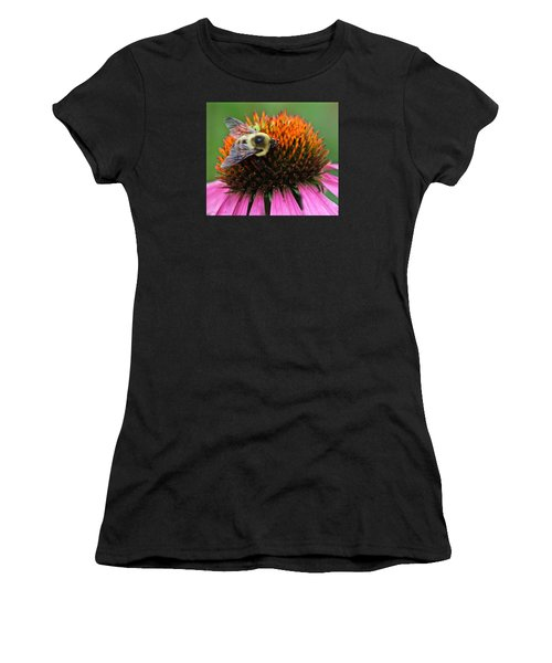 Macro Bee Women's T-Shirt (Athletic Fit)
