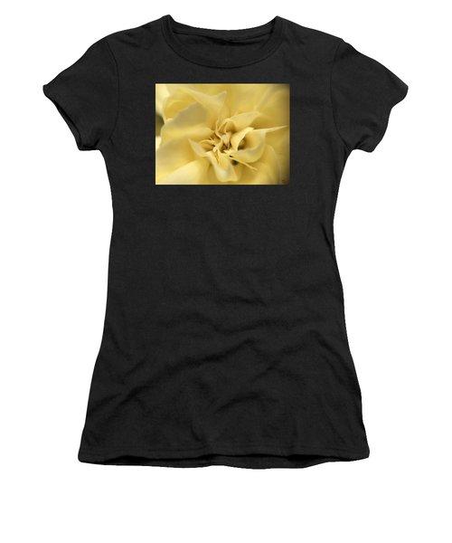 Macro Yellow Rose Women's T-Shirt