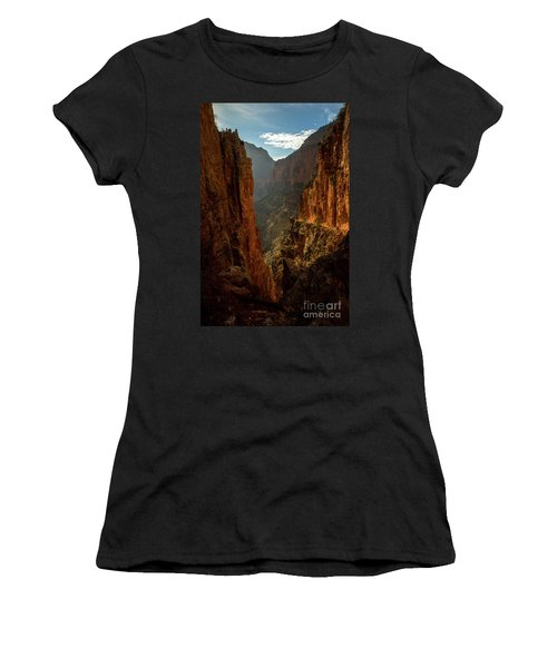 Magestic View Women's T-Shirt (Athletic Fit)