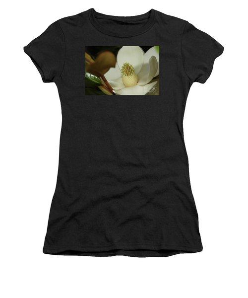 Magnolia Blossom Women's T-Shirt (Athletic Fit)