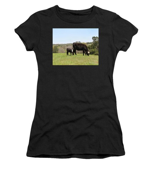 Mama Cow And Calf In Texas Pasture Women's T-Shirt (Athletic Fit)