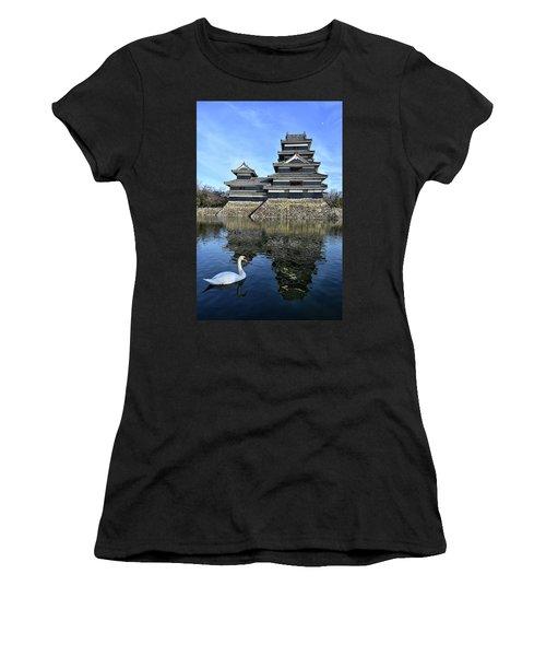 Matsumoto Swan Women's T-Shirt